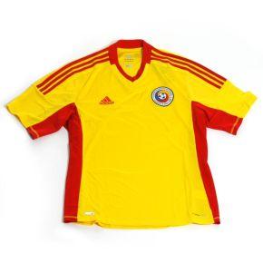 Concurs! Câştigă acum un tricou oficial al echipei naţionale a României!