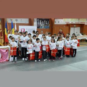 Sportivii Clubului de scrima ACS Stesial, premiati pentru rezultatele obtinute in 2013. MCA Grup, sp