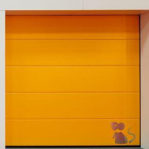 Moda din Vest! MCA Grup a lansat cea mai hazlie usa de garaj!