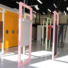 Proiectul showroomului de usi de garaj MCA de la Timisoara, selectat la Bienala de Arhitectura 2014