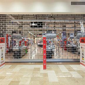 Rideaux métalliques MCA chez Mega Image Concept Store (Groupe Delhaize), Bucarest