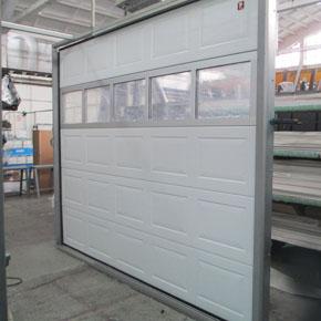 NOU! Usi de garaj cu panouri casetate si vitrate